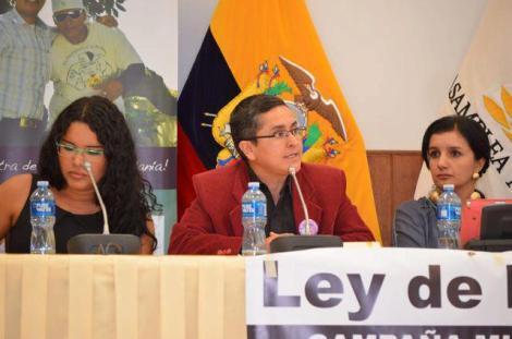 Género en la Cédula Ecuador - Revolución Trabs (30)